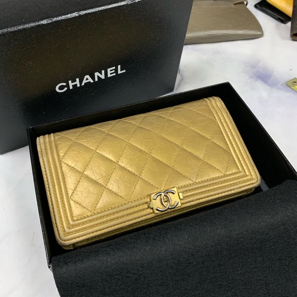 CHANEL Handbags - CHANEL Le Boy Yen wallet antique gold